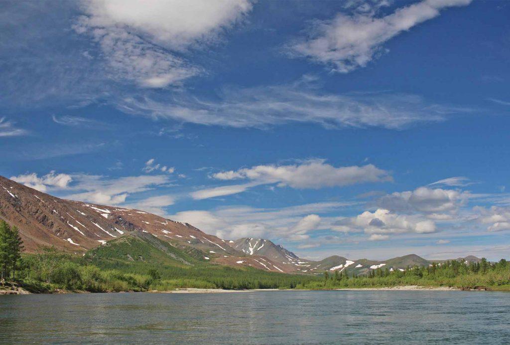 Горный массив Рай-Из, река Собь. Полярный Урал.