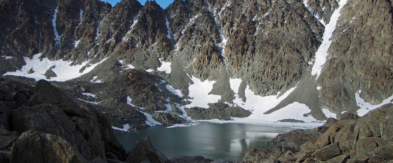 Каровое озеро, хребет Оченырд, Полярный Урал